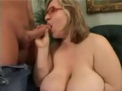Sex bombs with bouncing boobs are extremely hot