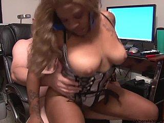 Μαύρο Ebony πορνό κόμβο