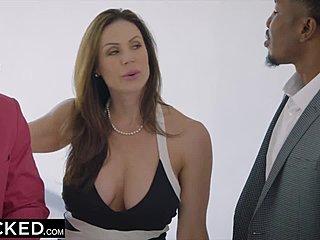 MILF suihin seksiä